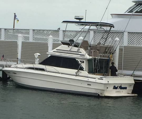 Photo Searay 34 Sedan Bridge Repowered Diesels - $48,000
