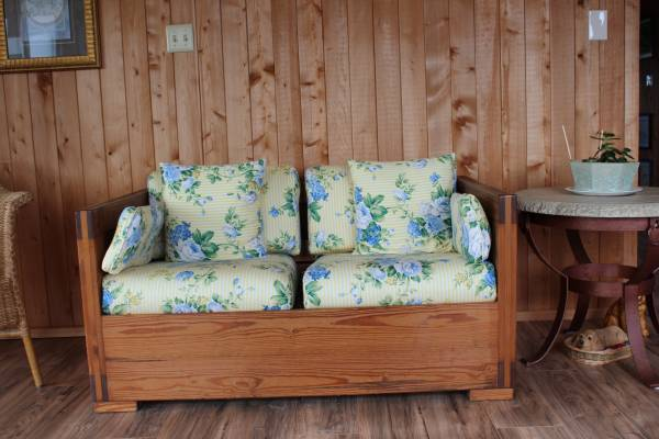 Photo This End Up Loveseat (Kitty Hawk)