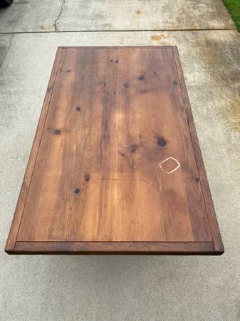 Photo This end up dining table set - $350 (Kill Devil Hills)