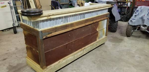 Photo Todays Special Custom Made Rustic Wood and Tin Bar OBO or trade - $500 (Powells Point)