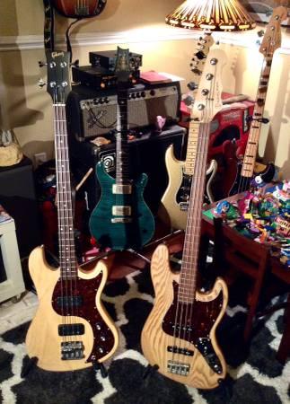 Photo Trade me a nice American Tele for a Gibson EB Custom or Kohlman JB - $15 (Norfolk)