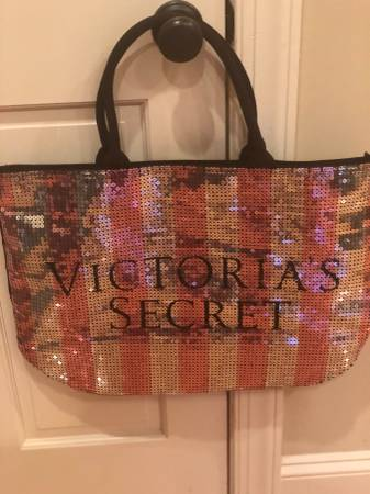 Photo Victorias Secret purse - $15 (Chapel Hill, NC)