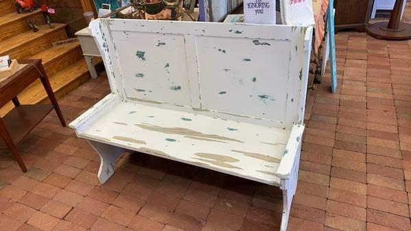 Photo Vintage Kitchen nook bench - $199 (Kitty Hawk)