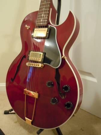 Photo 2001 Gibson ES-135 - $1,425 (Louisville PRP)