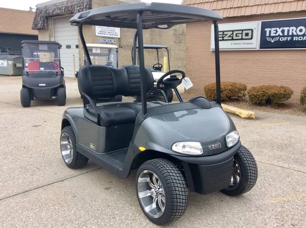 Photo 2020 E-Z-GO RXV Elite Lithium Electric Charcoal Golf Cart (AACO EVANSVILLE)
