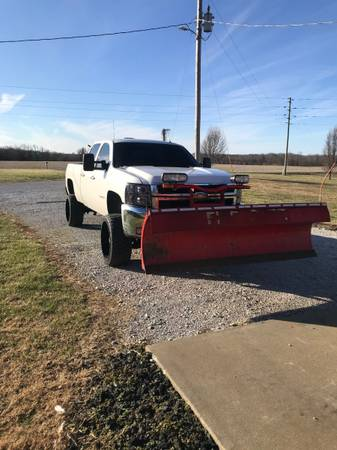 Photo 8 Boss Snow Plow - $4,000 (Owensboro)