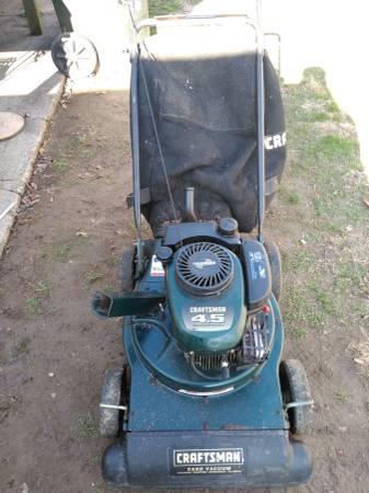 Photo Craftsman yard vac chipper blower Shredder - $200 (Owens oro)