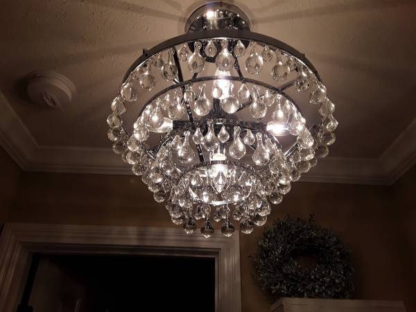 Photo Crystal Chandelier - $85 (Bardstown,Ky)
