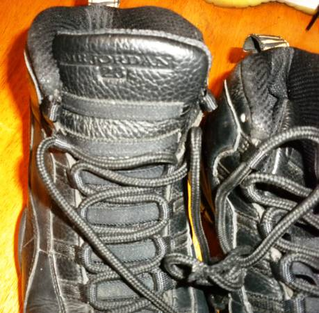 Photo Mens NIKE Black AiR JoRDaN ReTRo 39NYC39 SZ 9.5 - $75 (Chandler, IN)