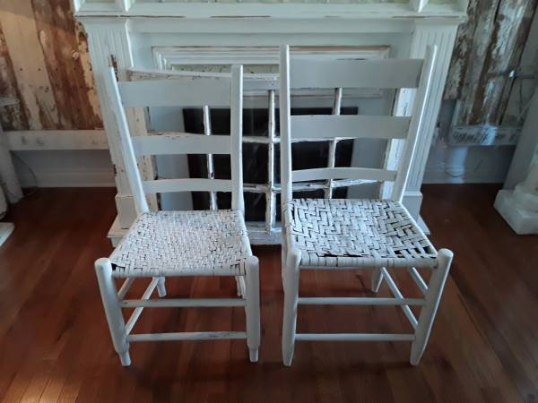 Photo Primitive White Chairs2 - $65 (Bardstown,Ky)