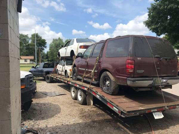 Photo buying junkunwanted vehicles $150 and up - $200 (47714)