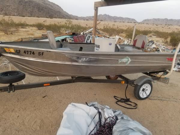 Photo 13ft Aluminum boat Valco - $2,500 (LANDERS ca)