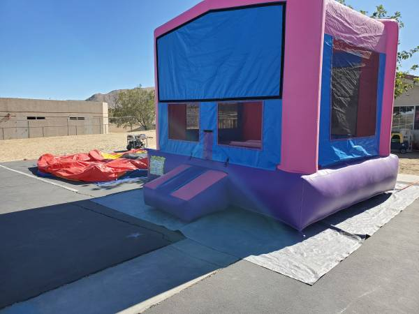 Photo 13x13 commercial bounce house - $900 (yucca valley)