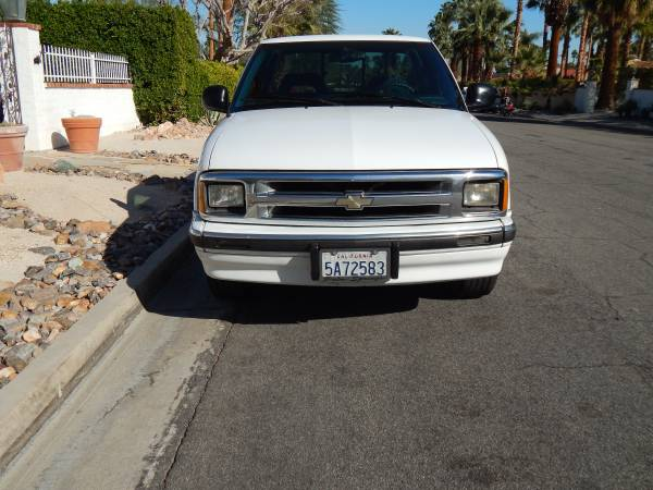 Photo 1995 Chevy S10 Truck Extended Cab, 5-Speed Manual - $4495 (Rancho Mirage)