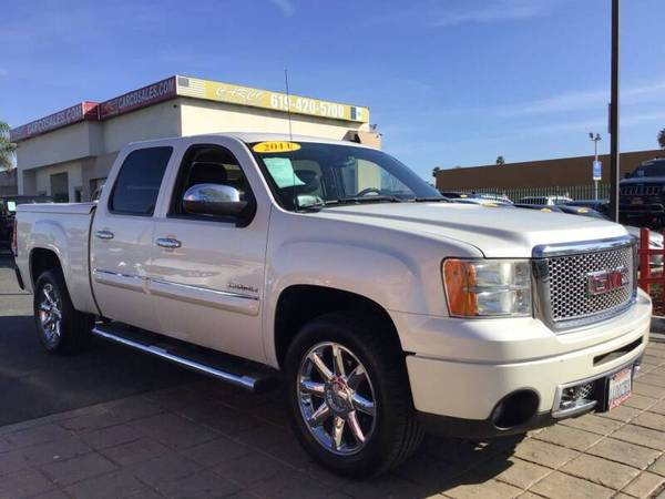 Photo 2011 GMC Sierra 1500 DENALI 1-OWNER CREW CAB BRAND NEW TIRES - $19977 (0 DOWN PAYMENT FOR OUR MILITARY CUSTOMERS OAC)