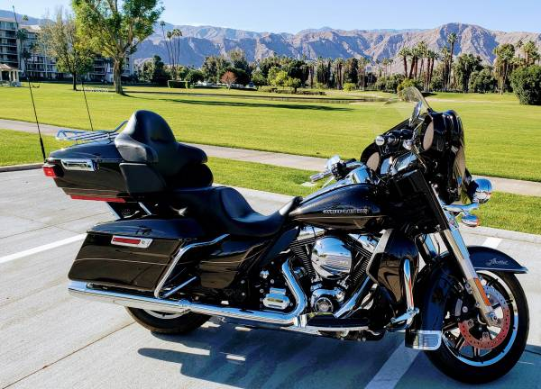 Photo 2015 Harley-Davidson (FLHTKL) ELECTRA GLIDE ULTRA LIMITED LOW - $16,499 (Rancho Mirage)
