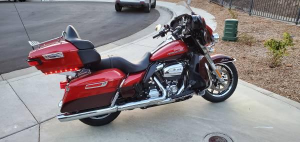 Photo 2019 Harley Ultra Limited Low - $26,999 (murrieta)