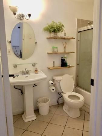 Photo $550 room for female (Palm Desert)