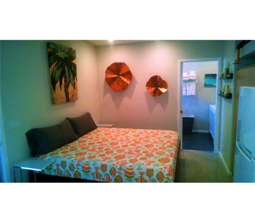Photo ARE YOU LOOKING FOR ALL UTILITIES PAID AND FURNISHED ATTACHED CASITA (CATHEDRAL CITY)