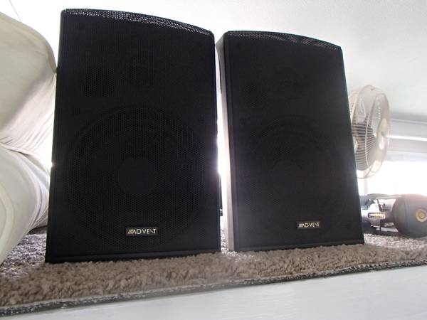Photo Advent Speakers Indoors Or Out - $50 (indio)