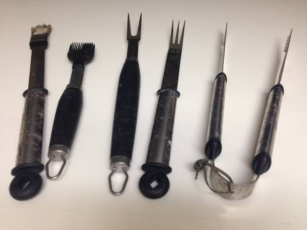 Photo BBQ grill tools - $7 (Palm springs)