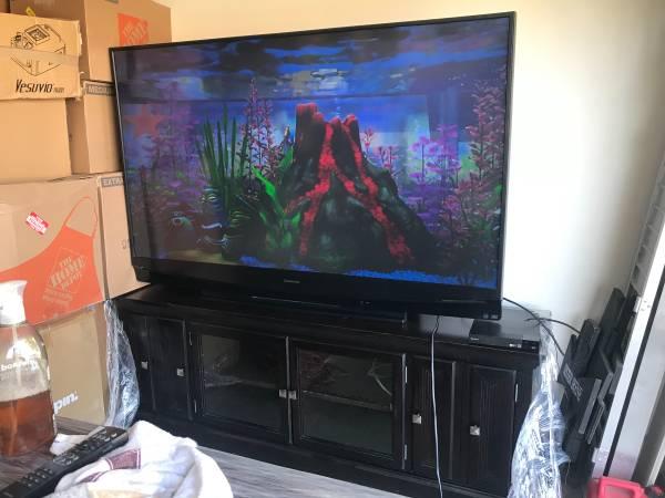 Photo Big screen tv - $100