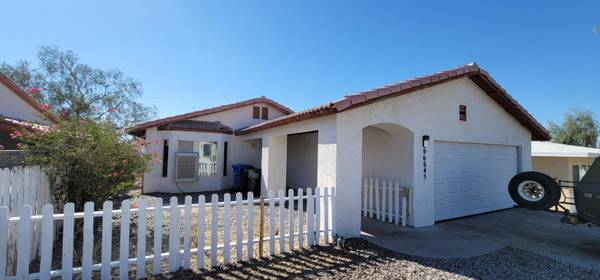 Photo Can you see it Home in Desert Hot Springs. 3 Beds, 2 Baths (Desert Hot Springs)