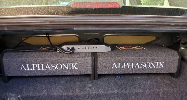 Photo Car stereo Sony XAV-AX7000,Infinity Kappa one k,2 Alphasonik sub - $700
