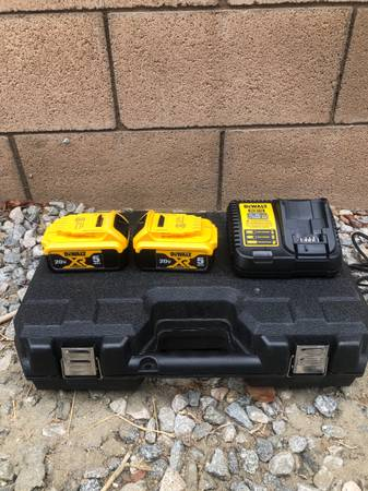 Photo Dewalt 20V Max XR 5A Batteries - $200 (La Quinta)