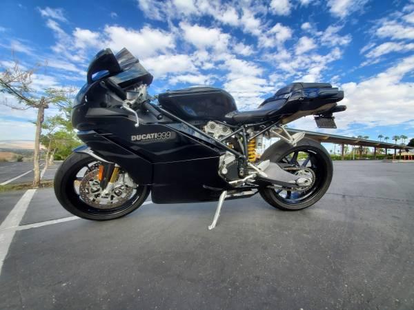Photo Ducati 999 - $6,370 (Palm Desert)