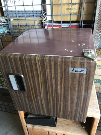 Photo Dylanstata - Avanti Compact Office Refrigerator - $19 (Palm Springs)