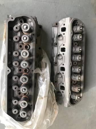 Photo Engine Parts Valves Rebuilt New Ford 302  - $225 (Palm Springs)