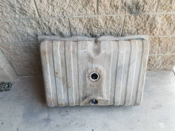 Photo Ford Mustang  Mercury Cougar 1971-73 Original Ford Gas Tank. No Rust - $65 (Palm Springs)