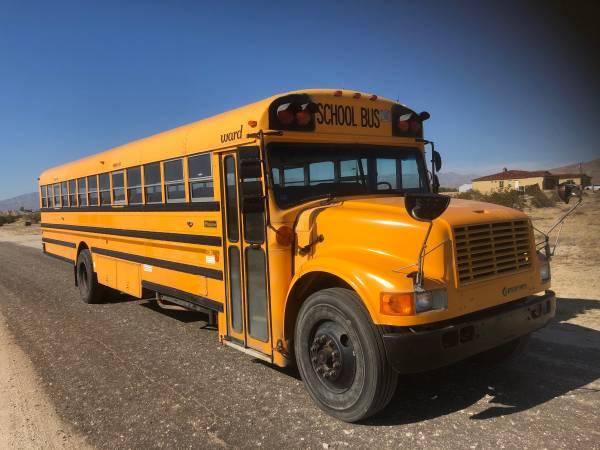 Photo International school bus Ward DT466 diesel. I have more Buses - $5500 (Desert hot springs)