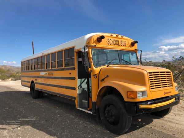 Photo International school bus diesel dt466 - $5500 (Desert hot springs)