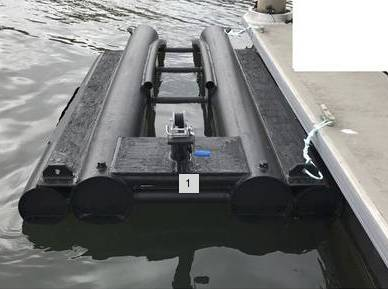 Photo Jet Ski or Small Boat DRIVE ON Dry Dock Lift - $2,000 - $2,000 (MDR)