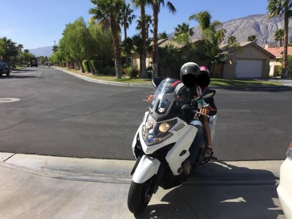 Photo Kymco Myroad 700i ABS - $3,650 (Palm Springs)