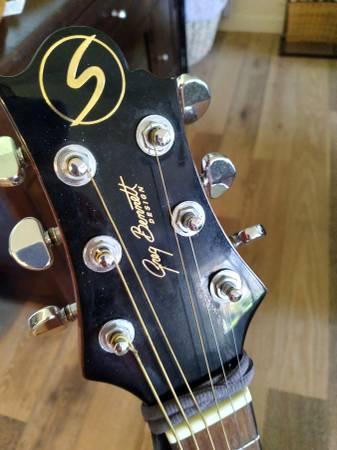 Photo LIKE NEW acoustic Greg Bennett - $175 (Palm Desert)
