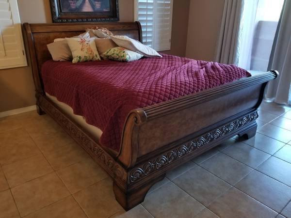 Photo Matching bedframe, dresser, armoire, and mirror. PRICE REDUCED - $1,225 (La Quinta)