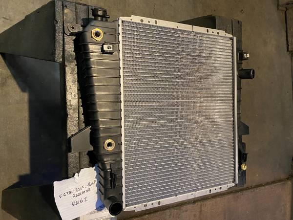 Photo New in Ford Box F67Z-8005-KACP Radiator 95-01 Explorer 4.0  5.0 - $125 (Palm Springs)