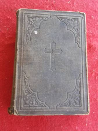 Photo RARE 1870 EDITION OF THE NEW TESTAMENT AS SEEN BY MARTIN LUTHER - $80 (HEMET, CALIF.)