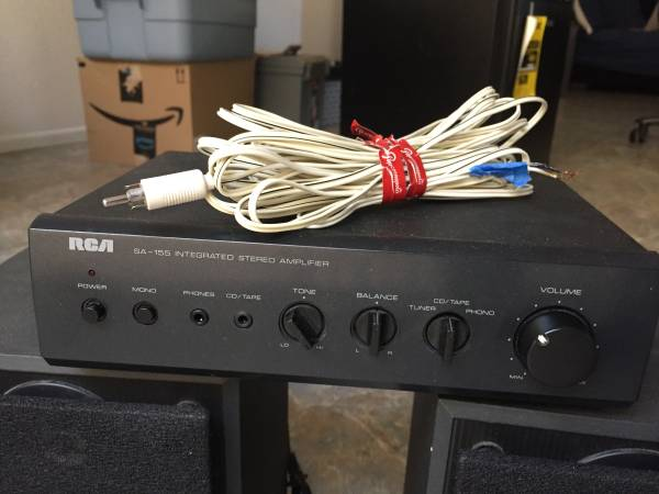 Photo RCA SA-155 INTERGRATED STERO AMP  2 SONY SPEAKERS - $60 (PALM DESERT)