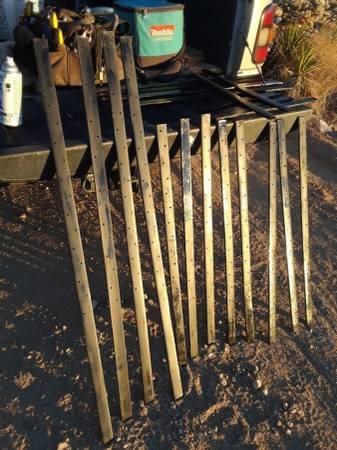 Photo STEEL STAKES for CONCRETE - $1