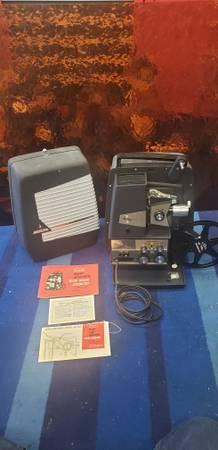 Photo Sears Super Automatic 8mm Film Movie Projector - $100 (Garden Grove)