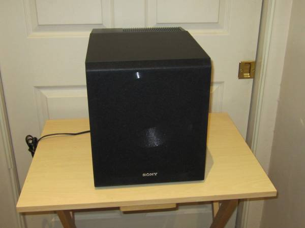 Photo Sony SACS9 10-Inch Active Subwoofer,Black - $125 (Palm Desert)