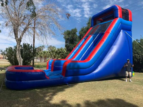 Photo Waterslide Inflatable Bounce House - $1,000 (indio)