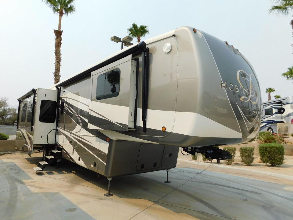 Photo 2021 DRV Mobile Suites MOBILE SUITES 41RKSB4 $172408
