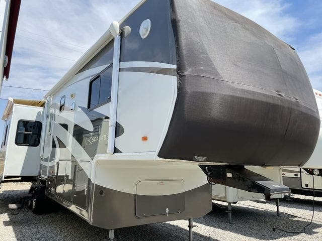 Photo Used 2013 Tiffin Motorhomes Class A RV