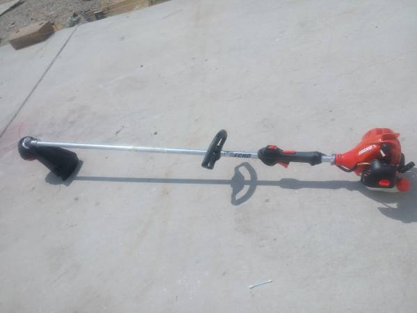 Photo echo srm 225 gas trimmer - $140 (white water)