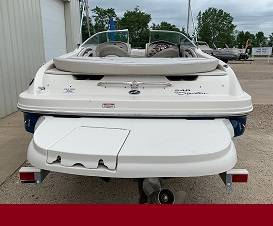 Photo 2003 SEA RAY 240 BOW RIDER FEATURES FIVE BOLD GELCOAT COLOR OPTIONS - $17,500 (panama)